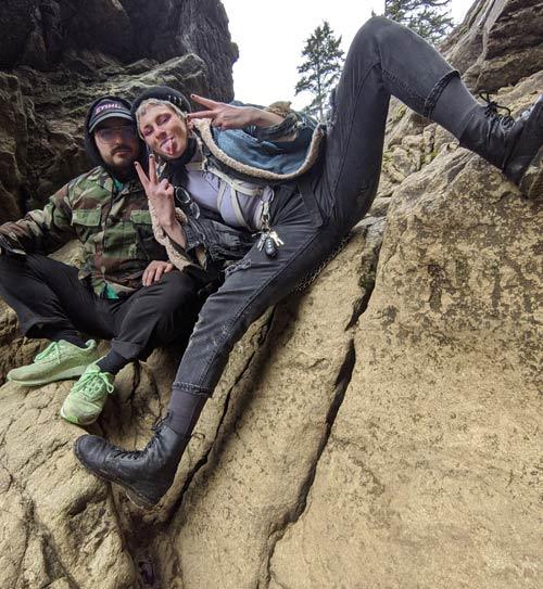 Gil climbing